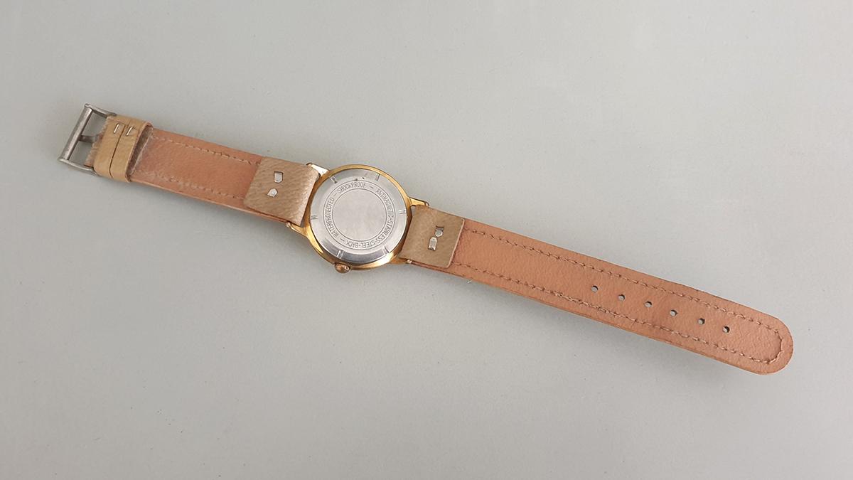 Endura horloge onderkant