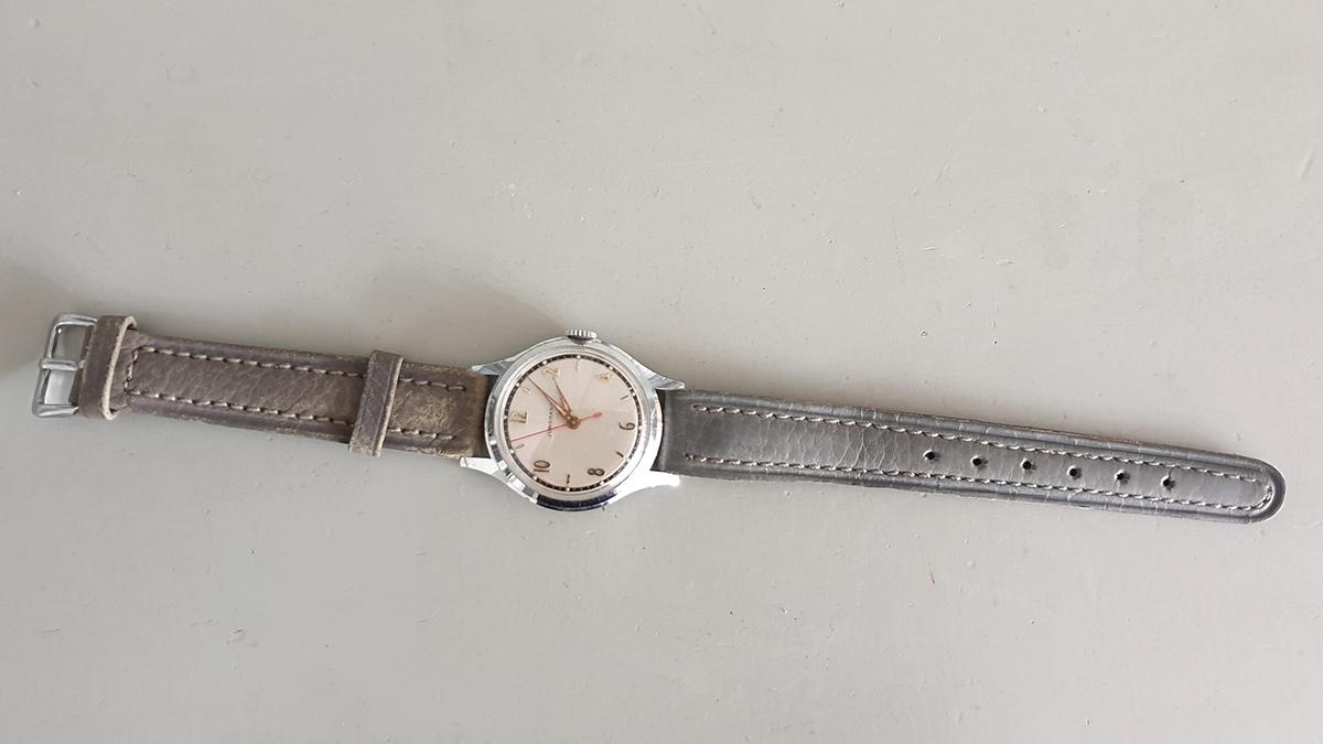 Junghans horloge bovenkant