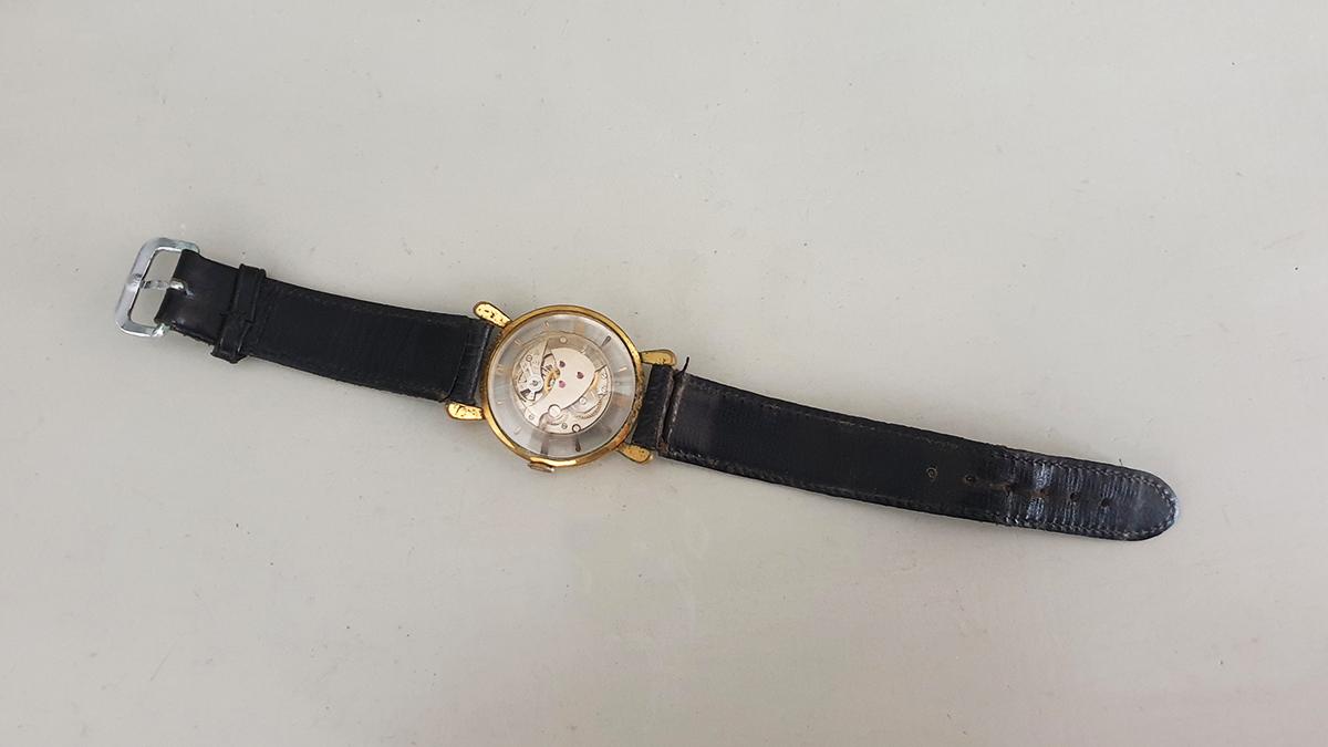 Monté horloge onderkant