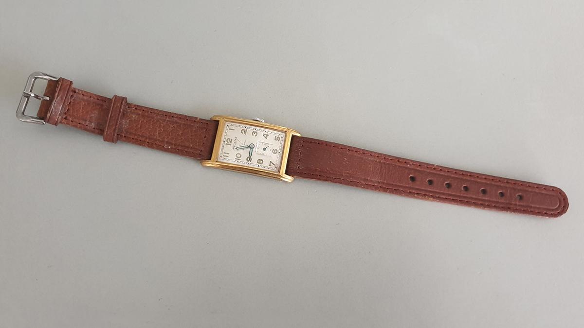 Reusser horloge bovenkant
