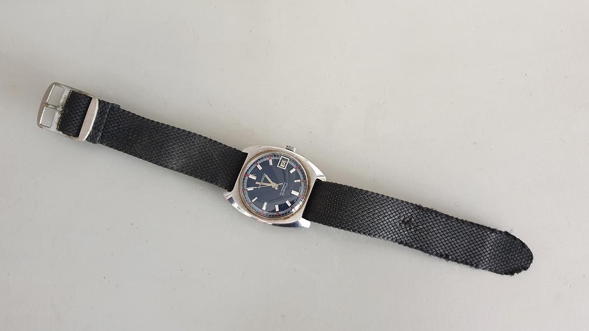 Sandoz horloge bovenkant