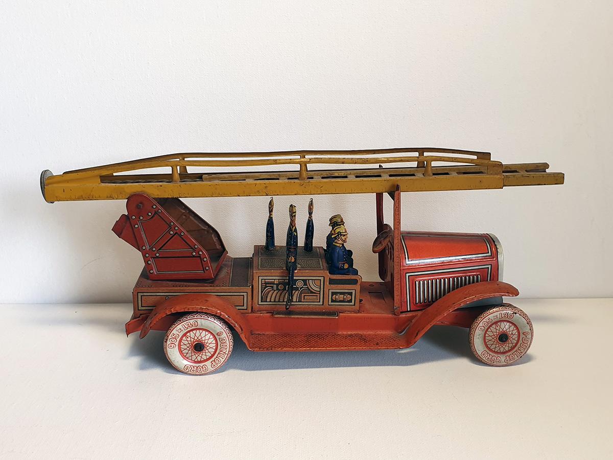 TippCo 1930's brandweerwagen side