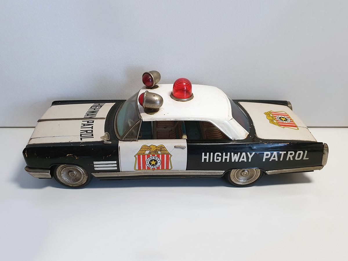 Ichiko Buick Highway Patrol auto top left