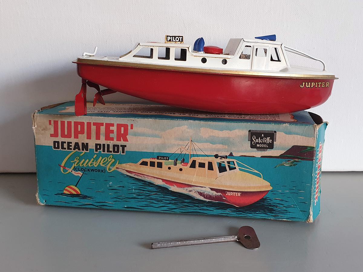 Sutcliffe Jupiter clockwork Ocean Pilot Cruiser main