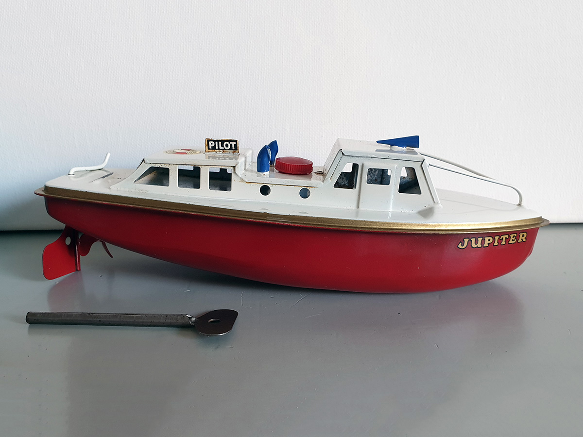 Sutcliffe Jupiter clockwork Ocean Pilot Cruiser boat