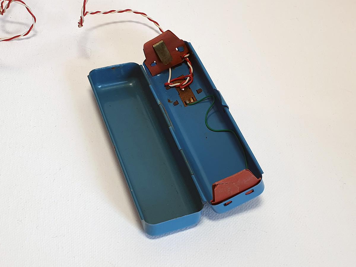 Marusan Papa Smoking Bear battery