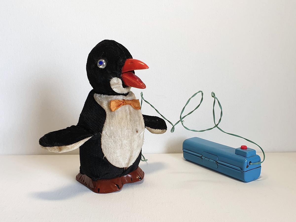 Cragstan Jolly Penguin main