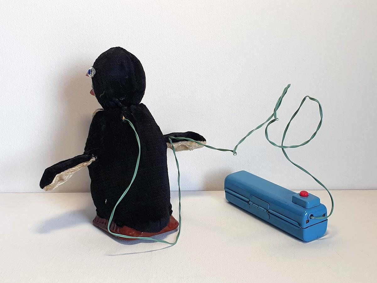Cragstan Jolly Penguin back