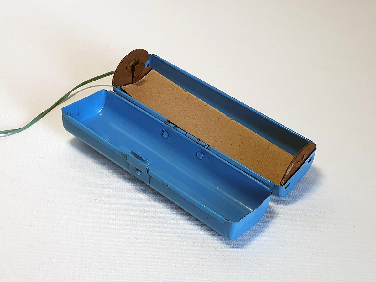 Cragstan Jolly Penguin battery