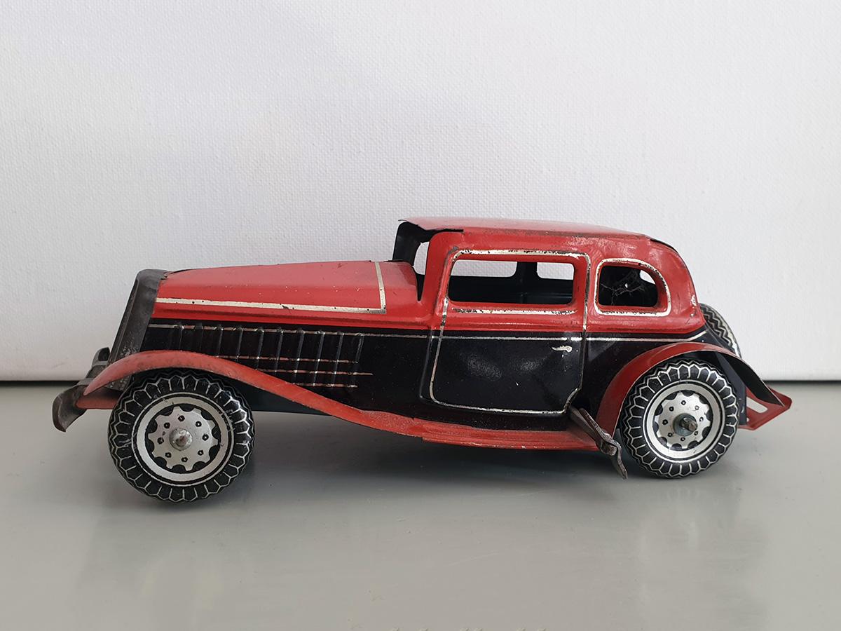 Mettoy Sedan Saloon auto main