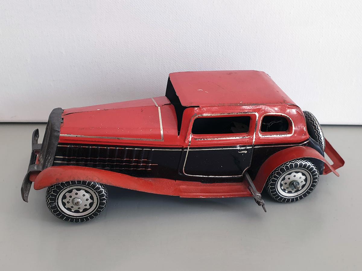 Mettoy Sedan Saloon auto top