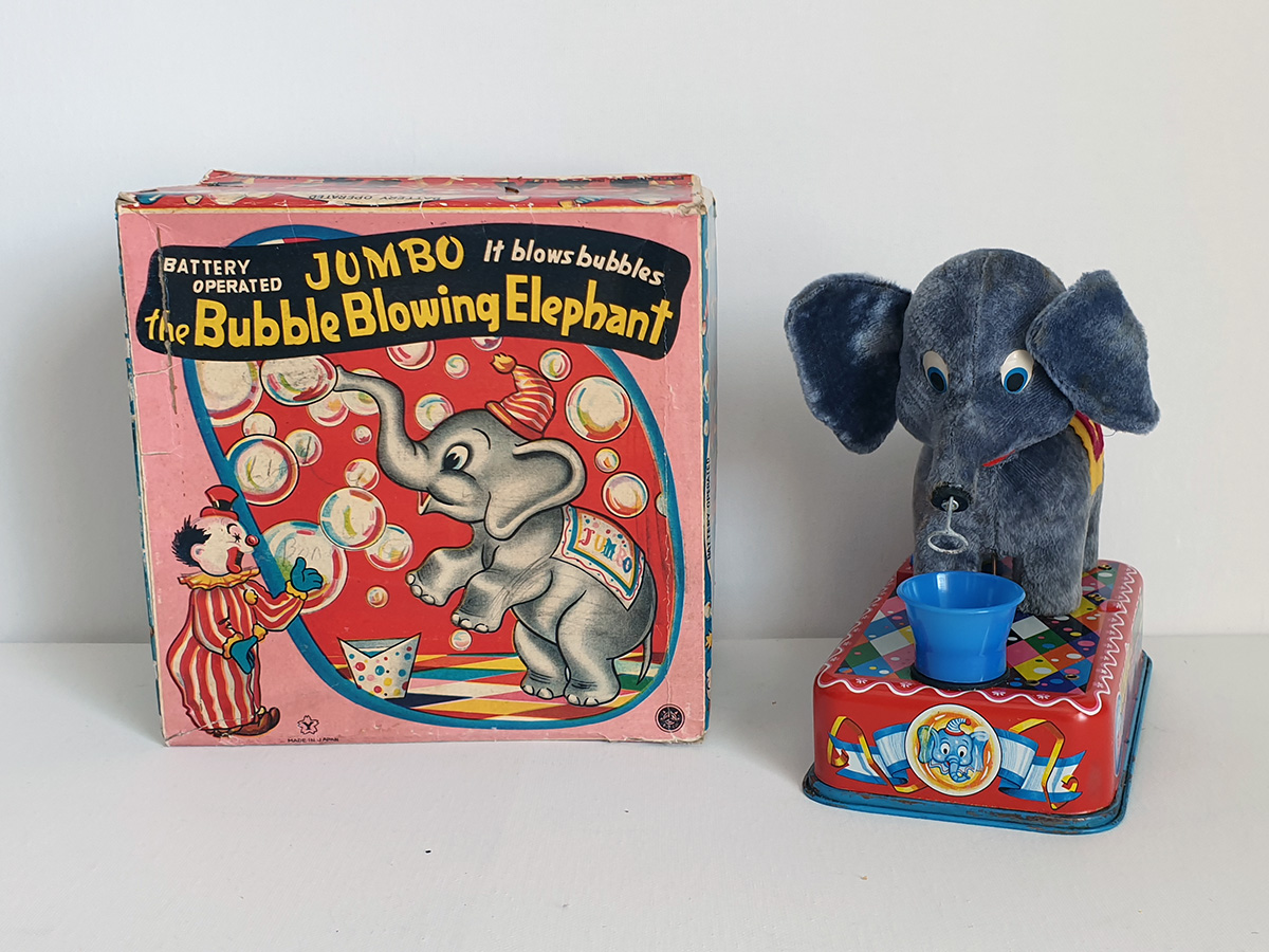 Jumbo The Bubble Blowing Elephant main