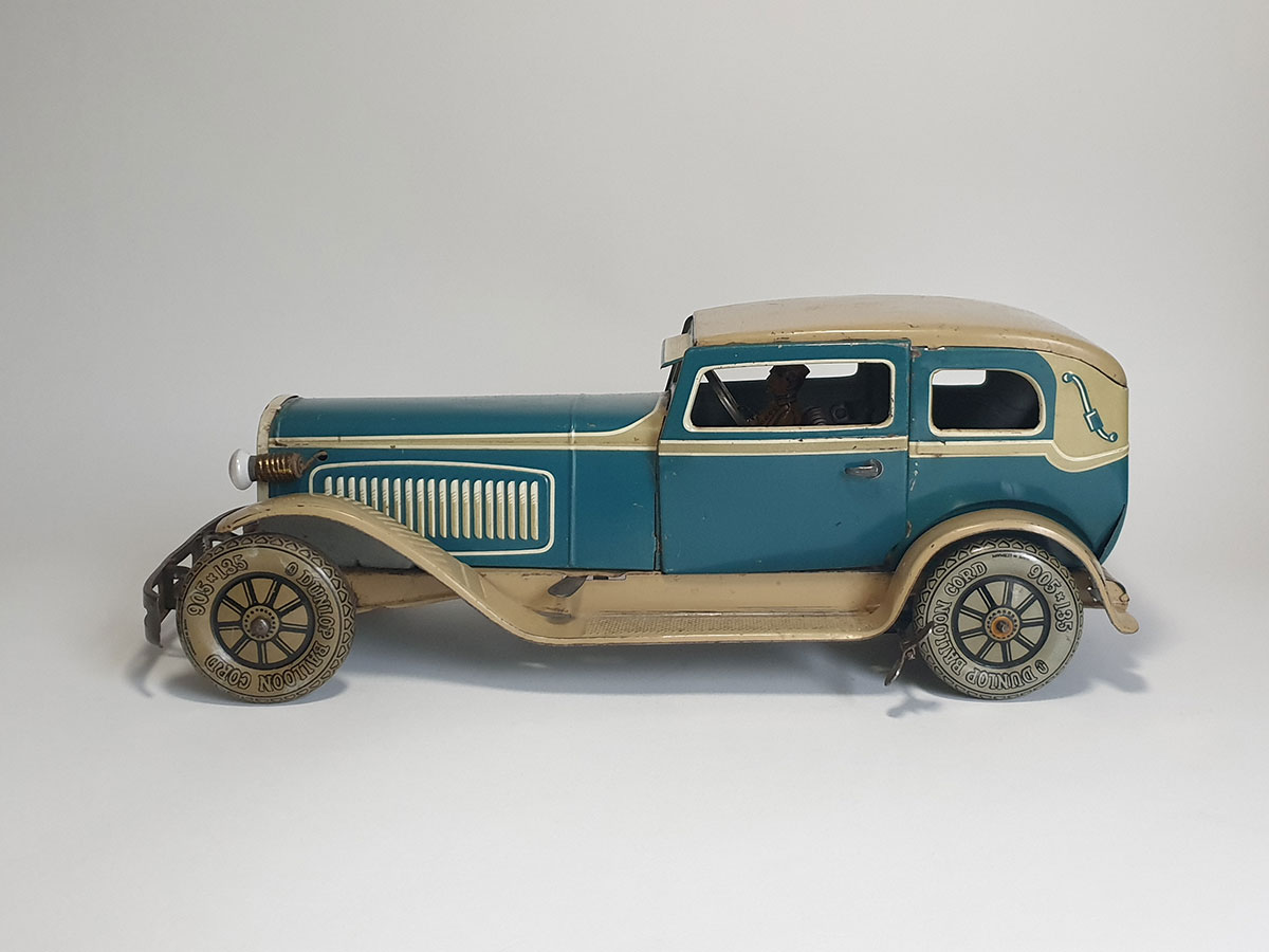 TippCo Limousine TC1952 side 1