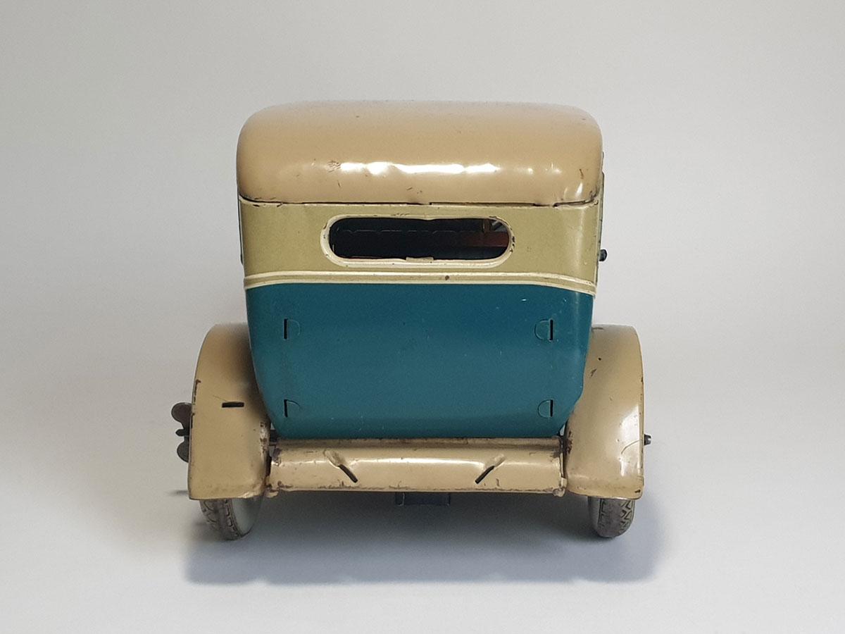 TippCo Limousine TC1952 back