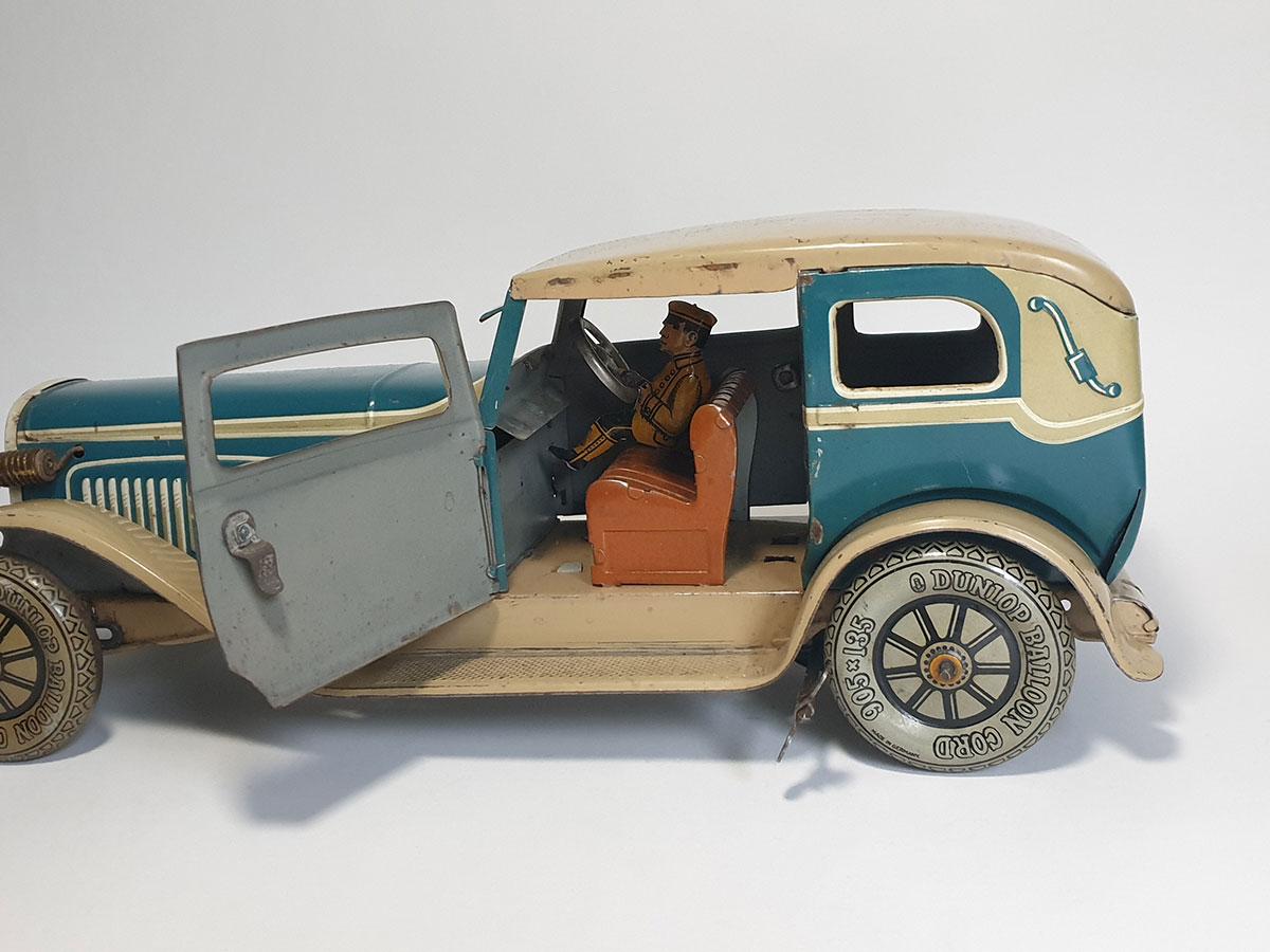 TippCo Limousine TC1952 interior