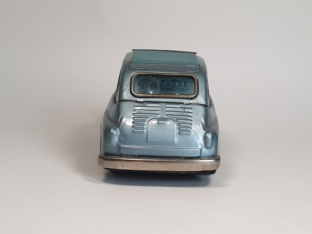 Bandai Fiat 600 back