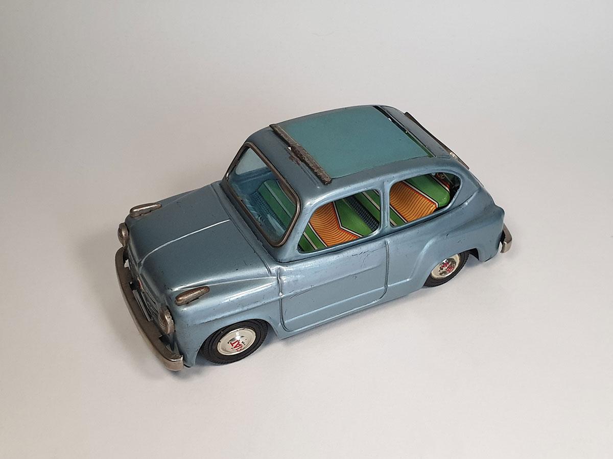 Bandai Fiat 600 top