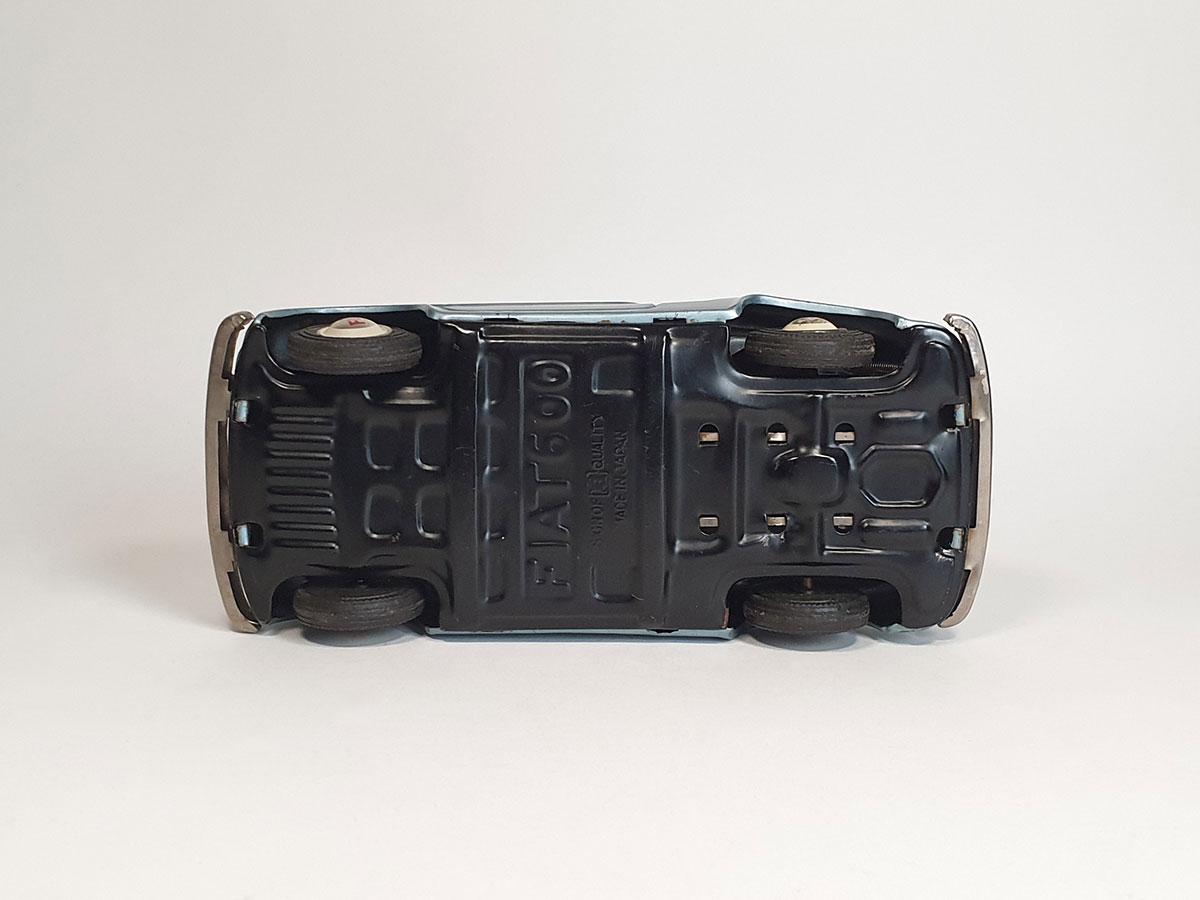 Bandai Fiat 600 bottom